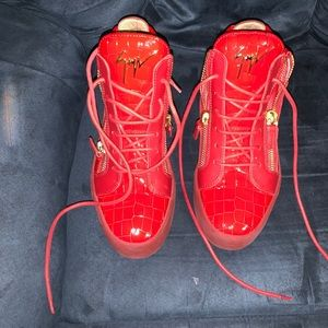 Giuseppe pre owned. Authentic.